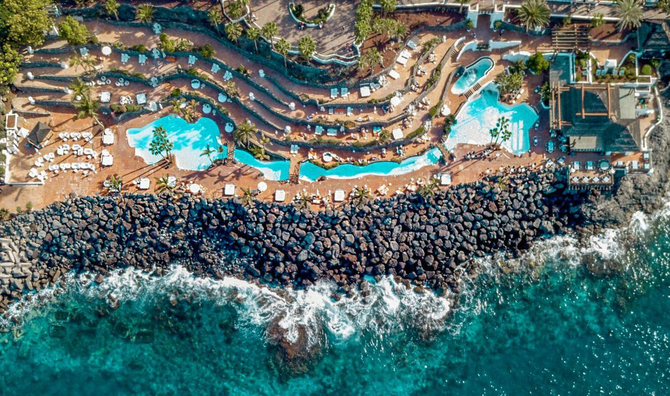 Piscinas y beach club hotel jardín tropical tenerife